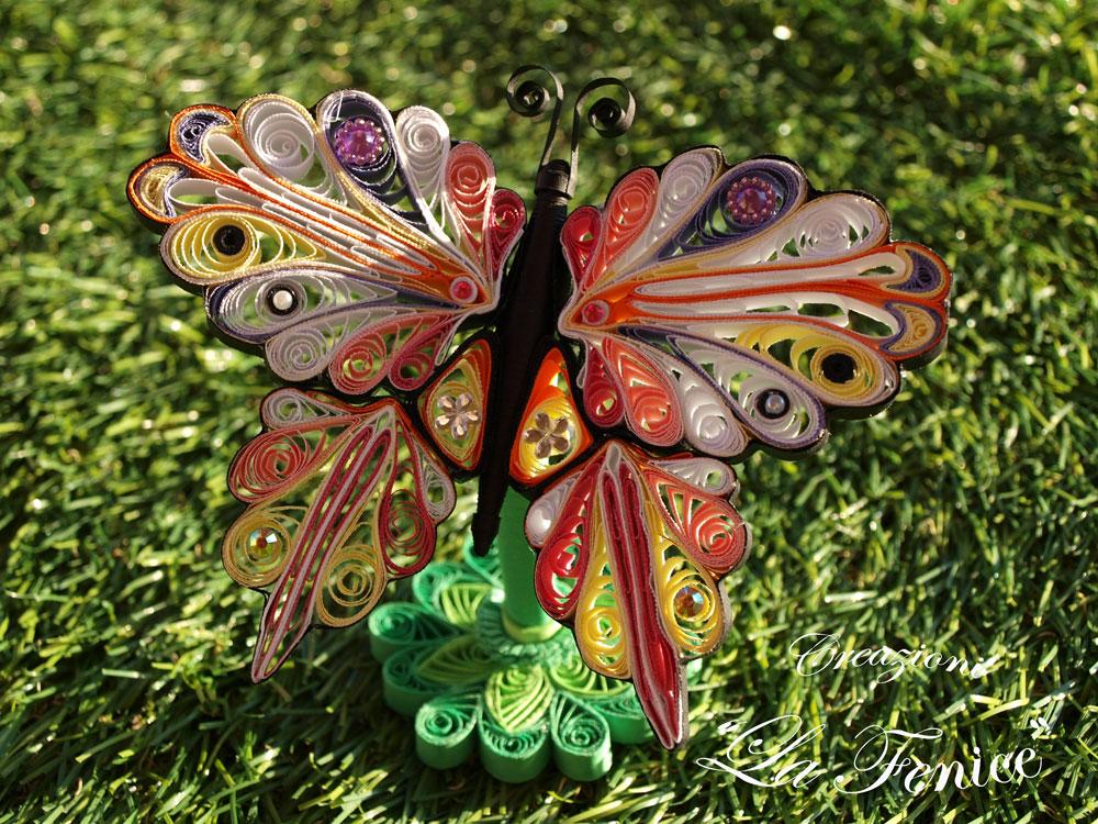 Farfalla con piedistallo
